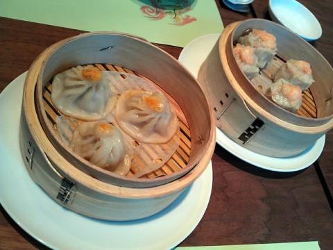 新中国料理 上杉 小龍包と蟹の卵入りシューマイ