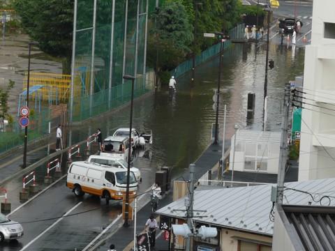 ゲリラ豪雨の際の冠水状況