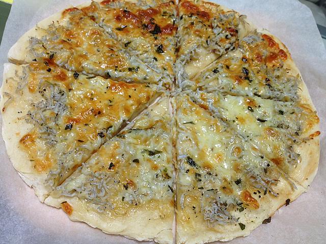 シラスのピザ(レシピ付き)