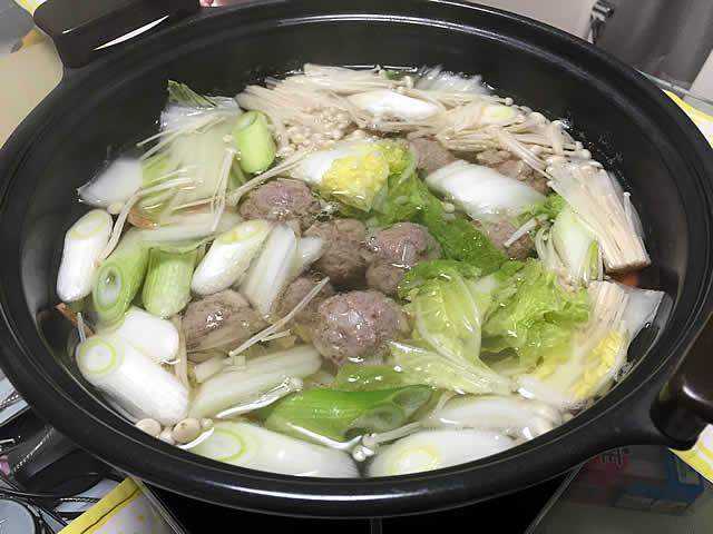 寒くなったらやっぱり鍋 しょうがたっぷり肉団子鍋
