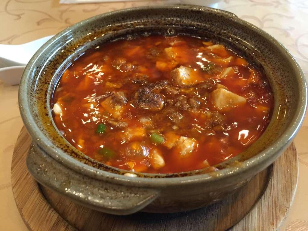 チャイニーズレストラン北竜の北竜特製麻婆豆腐と酸辣湯麺