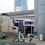 まさか屋根が掛かるとは・・仙台駅東西通路?