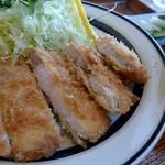 「とんかつと珈琲の店こんの」の570円トンカツ定食