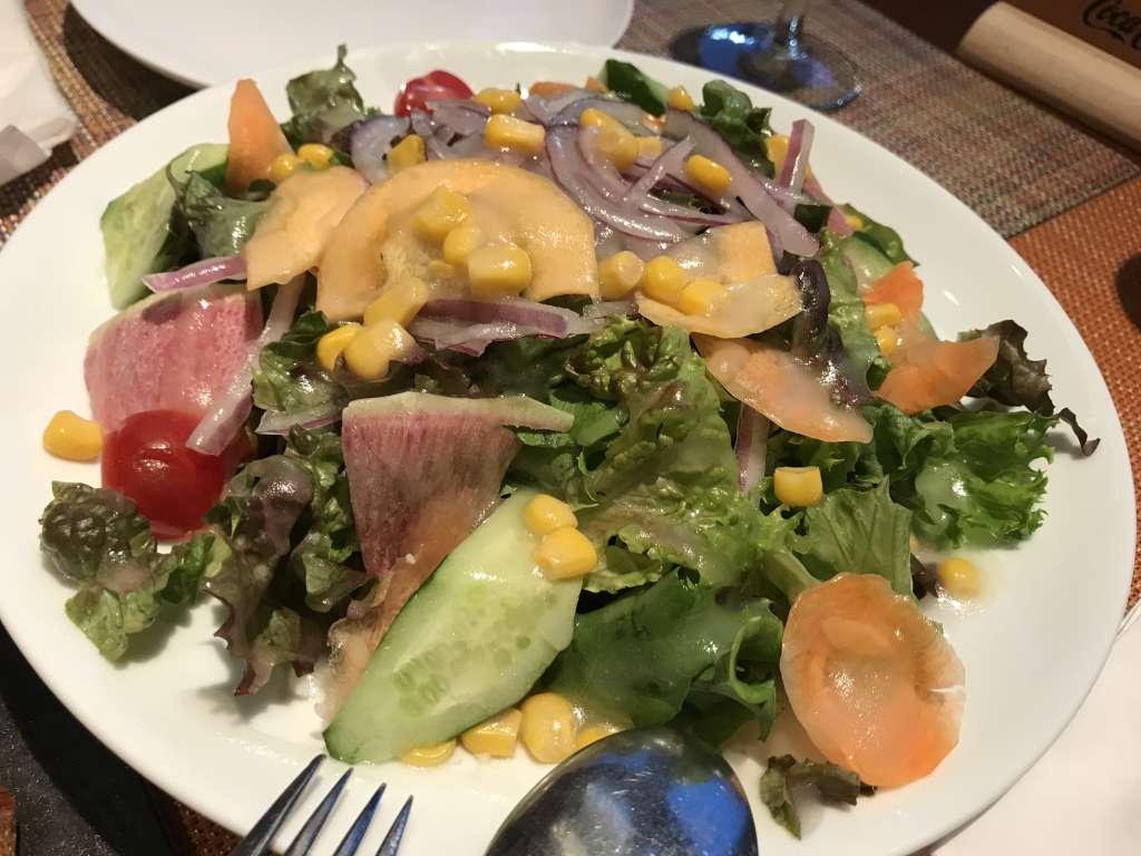 彩り野菜のTAPAサラダ