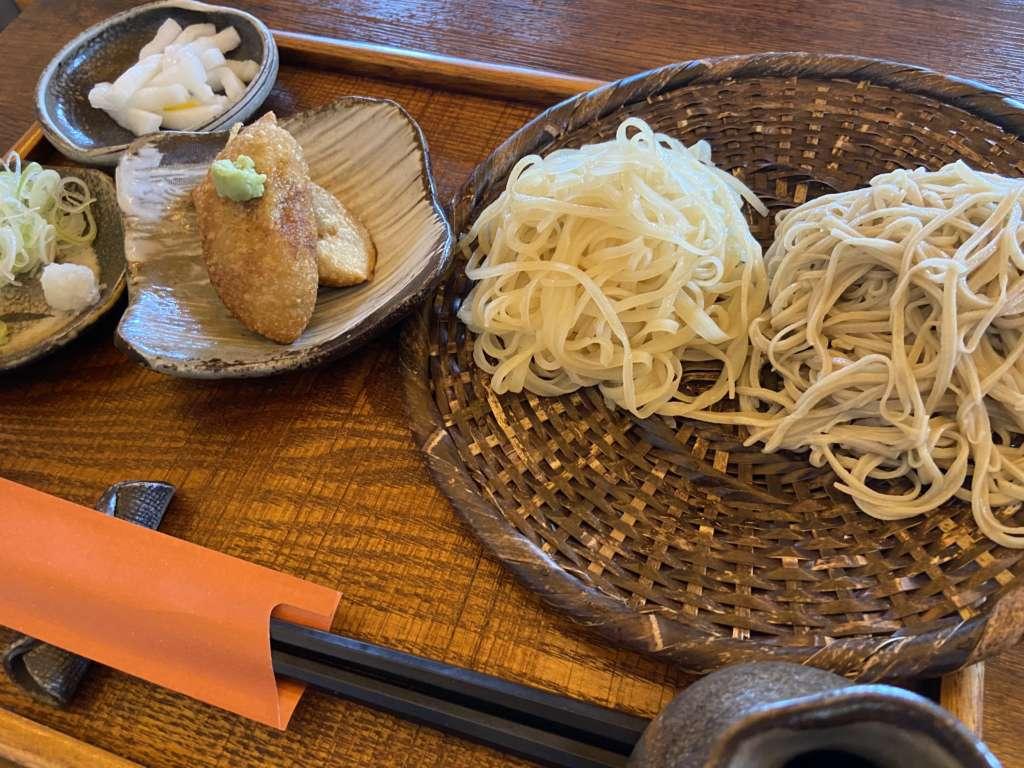 蕎麦切りかぎ谷の二色ざる蕎麦